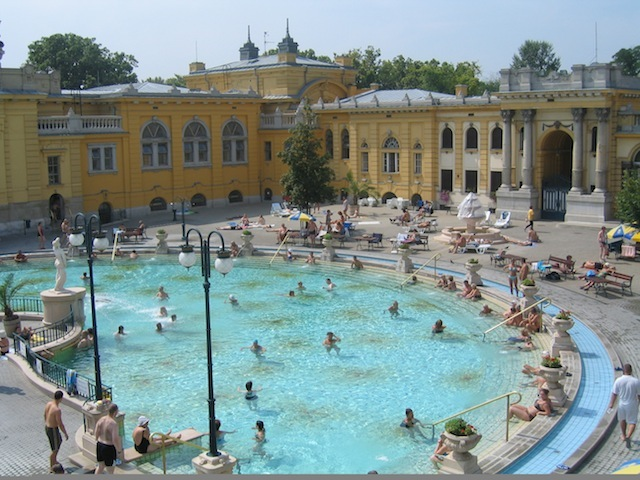 Budapest baths, Szechenyi thermal pools Hungary