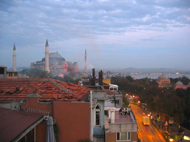 Turkey, solo Istanbul at dusk