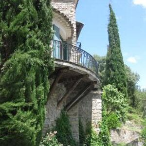 How to rent a villa in France