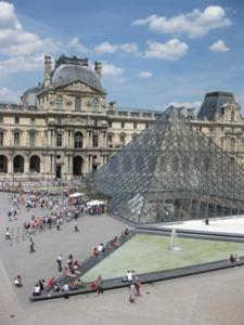 Paris in a heat wave … go to the Louvre