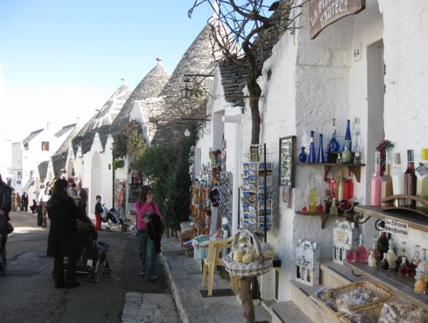 Planes, trains and taxis through Italy: trulli in Alberobello