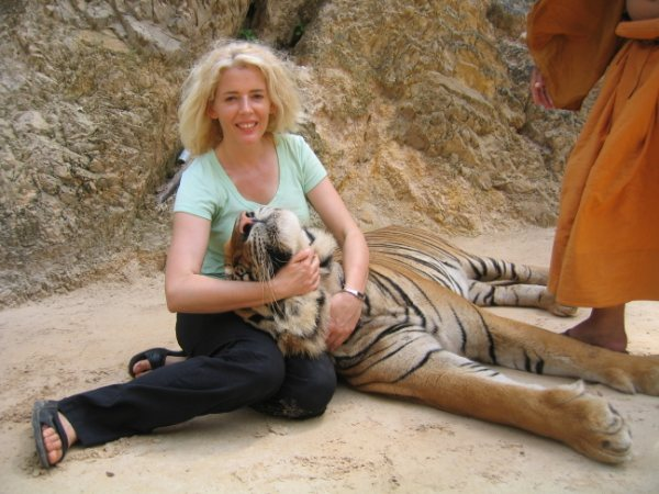 Carol takes the detox tiger by the tail in Thailand