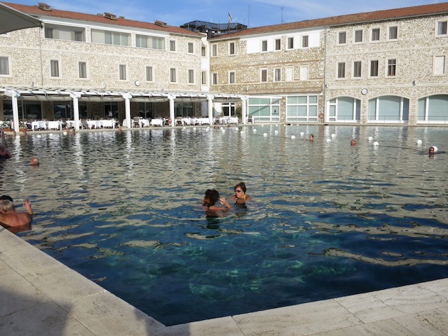 How to choose a spa in Tuscany, Terme di Saturnia