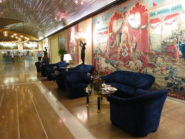 Rome Cavalieri Hotel lobby