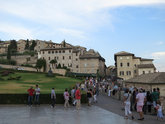 Visiting Assisi, leaving Piazza San Francesco