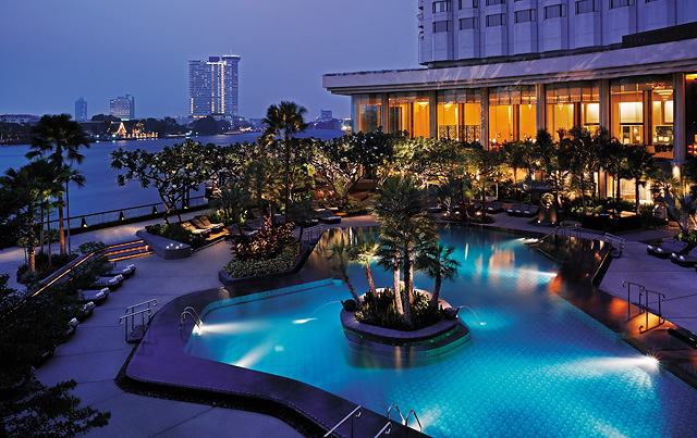 Shangri-La Hotel Bangkok blog review pool