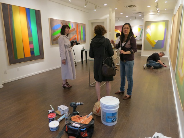 Photo of Han Gallery before the William Perehudoff art show