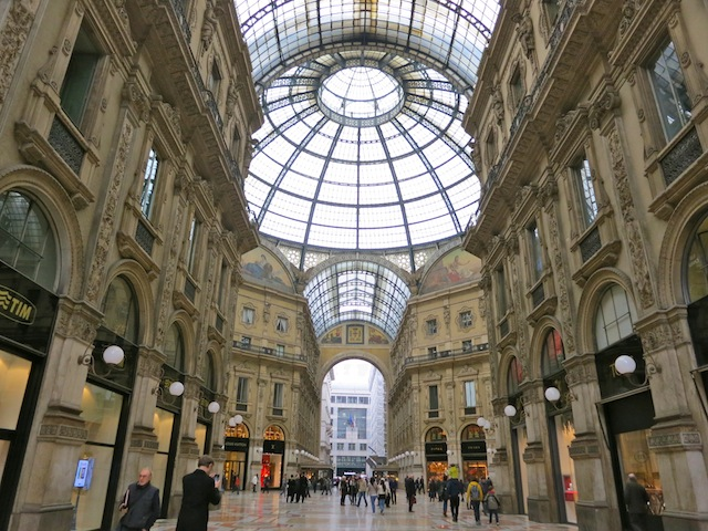 Galleria Vittorio Emanuele One day in Milan
