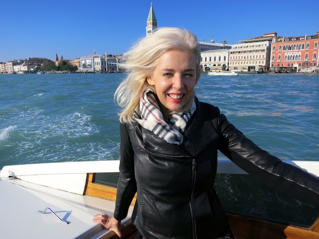Free luxury travel speedboat to Murano Island