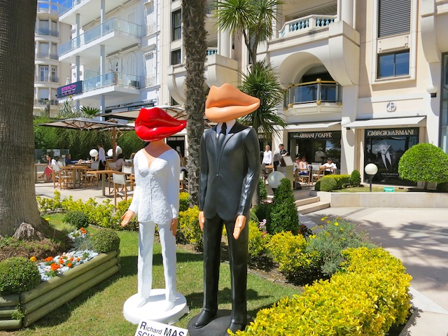 Outdoor sculpture in Cannes