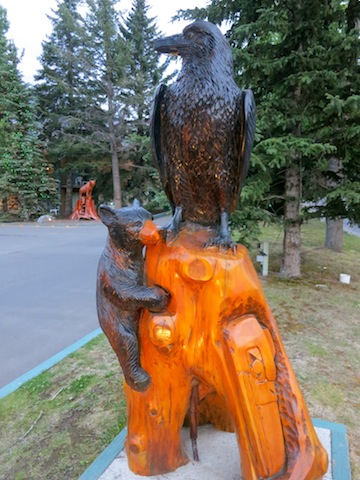 Amazing Rocky Mountaineer wildlife photos bear and eagle statue