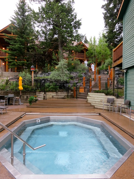 Jacuzzi at Buffalo Mountain Lodge on Tunnel Mountain in Banff