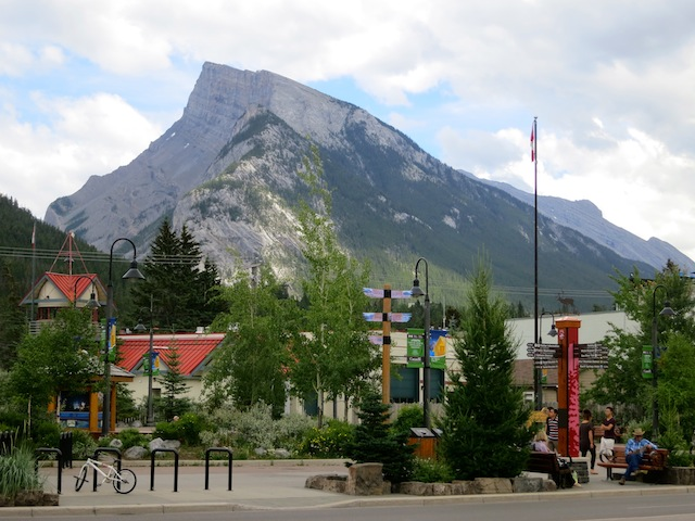 Downtown Banff in Canada and things to do there
