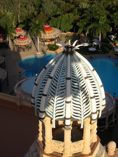 How to romance a golf wife at Sun City Africa, the King's Tower