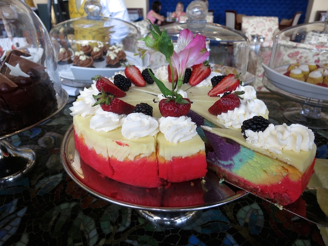 Things to do in Cape Town, High Tea at the Table Bay Hotel in Cape Town