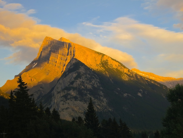 A travel blogging year in review. Through sunsets. Banff