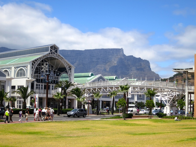 What to do in Cape Town, visit the V&A Waterfront