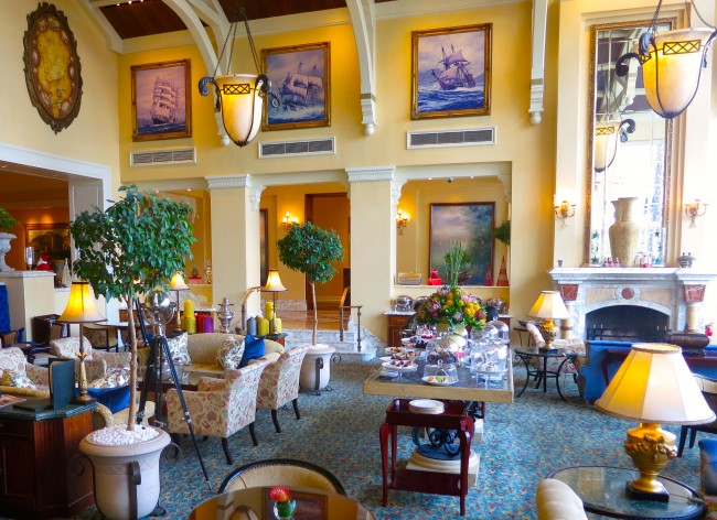 What to do in Cape Town, high tea at Table Bay Hotel