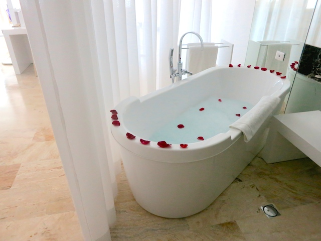 Paradisus Palma Real Family Concierge, rose petal bath
