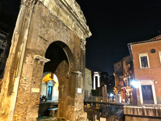 Cities in Italy, things to do in Rome, wander at night