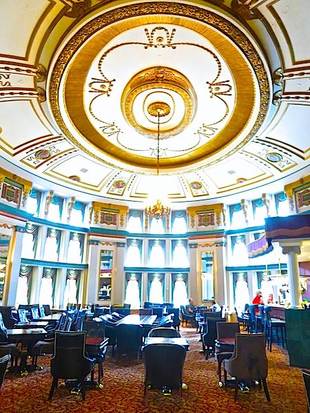 Fort Garry Hotel bar, Winnipeg Manitoba