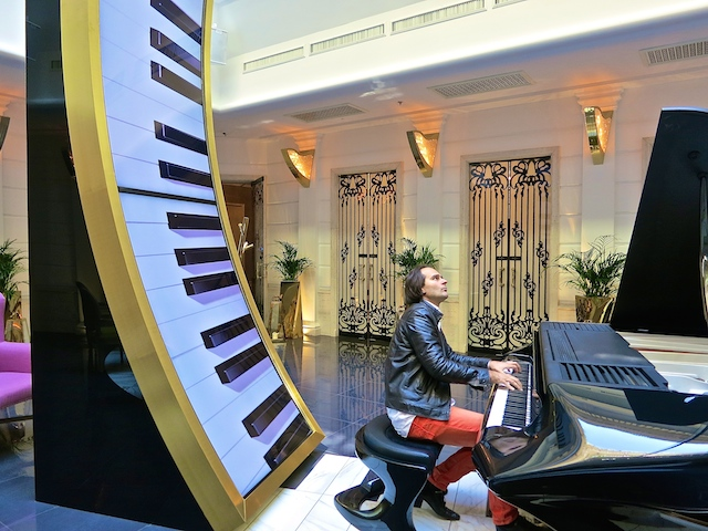 Gergerly Boganyi at Aria Hotel Budapest, music in Budapest