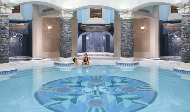 Fairmont Banff Springs spa mineral pool