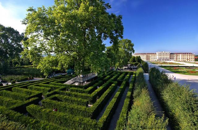 Schonbrunn Palace facts, tours Vienna Maze