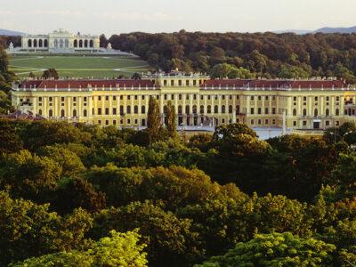Schonbrunn Palace, tours Vienna