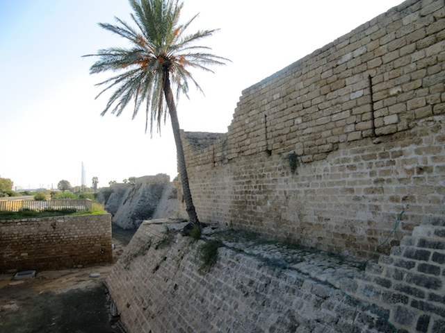 Caesarea in Israel, Crusader walls