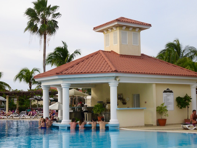 Paradisus Princesa del Mar blog, pool bar