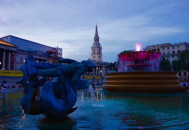 Things to do in England, visit Trafalgar Square