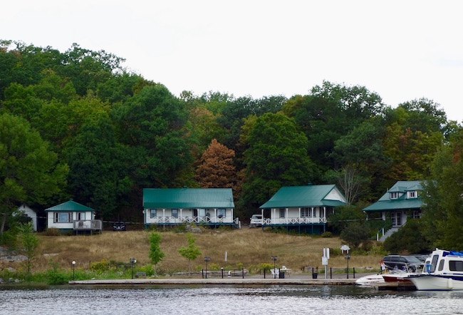 Viamede Resort Ontario lakeside cottages