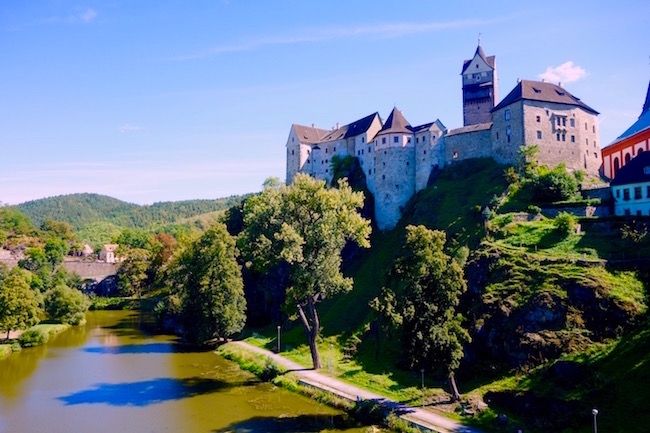 one-day-in-loket-czech-republic-castle-photo