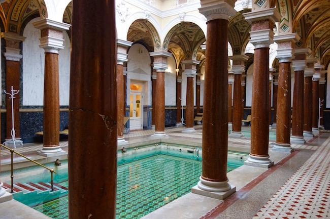 roman-baths-the-easy-way-to-spa-in-marianske-lazne-cz