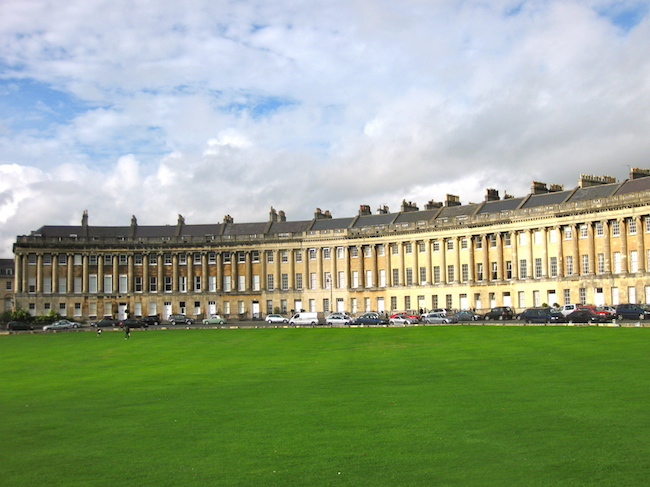 jane-austen-in-bath-royal-crescent