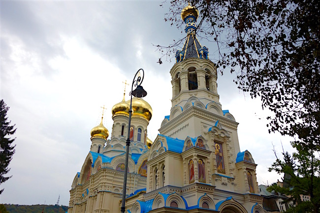 karlovy-vary-walks-orthodox-church-of-st-peter-and-paul