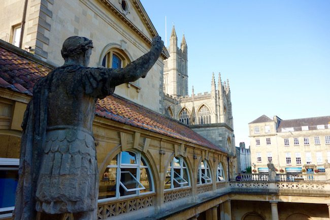 statues-at-the-roman-baths-in-bath-england