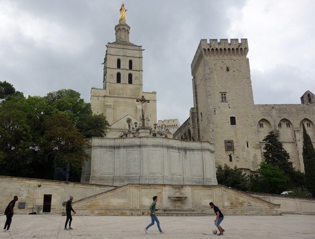 Things to see in Avignon Cathedral
