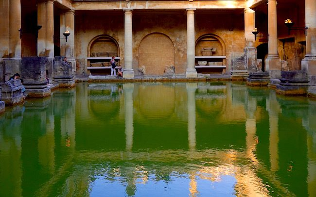 visiting-the-roman-baths-in-bath-uk