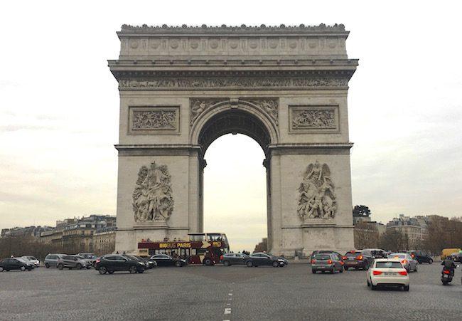 Arc de Triomphe romantic Paris