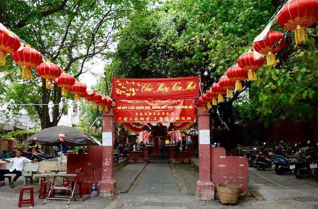 Jade Emperor Pagoda Saigon attraction