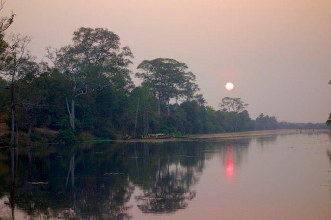 Sunset at Angkor Wat guide