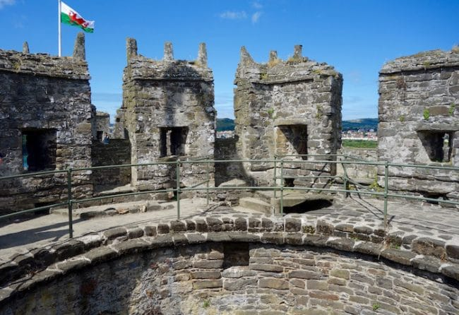 https://wanderingcarol.com/wp-content/uploads/2017/07/Conwy-Castle-Tower-650x446.jpg