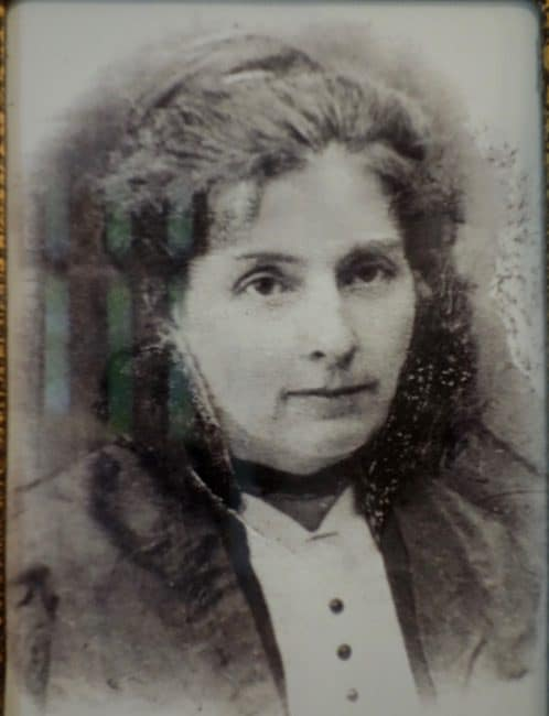 Old photo of a woman at Val Jalbert