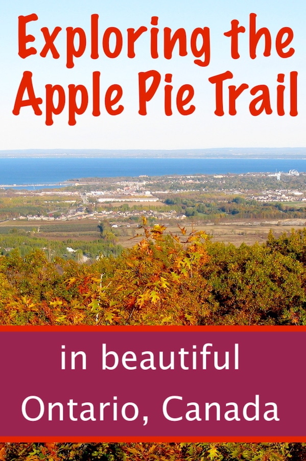 Apple Pie Trail in Fall with autumn colours in Blue Mountain Ontario