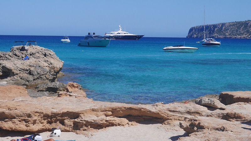 Renting a yacht in Ibiza