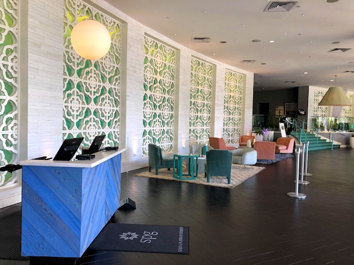 Where to stay in Palm Springs, Riviera Hotel