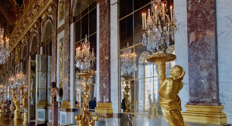 Best time to visit France Versailles Hall of Mirrors