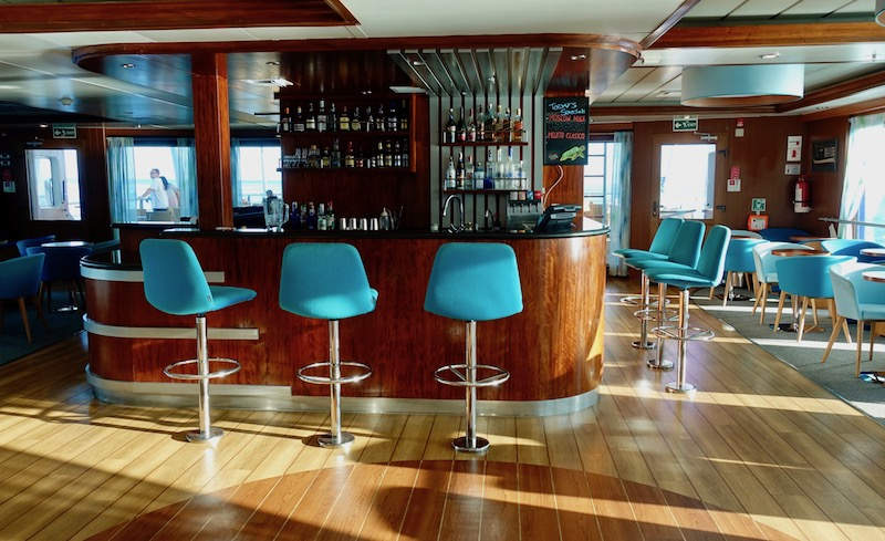 Panorama Lounge Santa Cruz II cruise ship Galapagos reviews